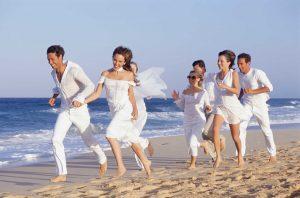 como-vestir-para-una-boda-en-la-playa-3