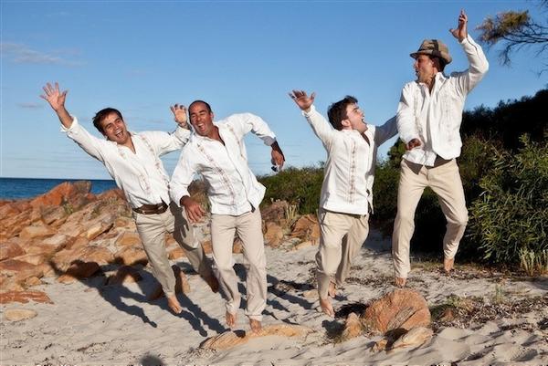 cÓmo vestir para una boda en la playa? – guayaberas y camisas de