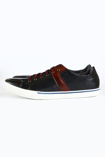 Zapatos De Color Negro Con Vino ZAPATOS