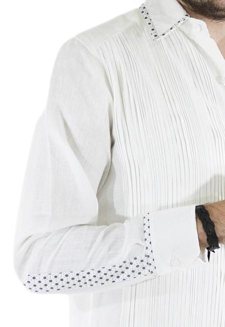 Guayabera Combinada Blanca Con Alforzas y Tela Estampada GUAYABERAS